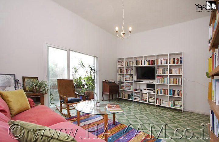 4 Roomed Apartment 3 Rooms in Tel Aviv
